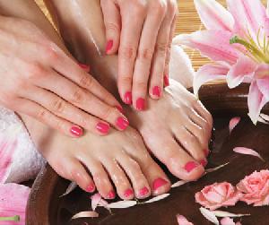 Cách trị nứt gót chân đơn giản mà hiệu quả ngay tại nhà