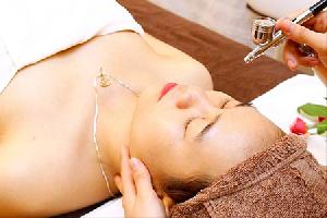 Chăm sóc da mặt chuyên sâu tái tạo trắng sáng